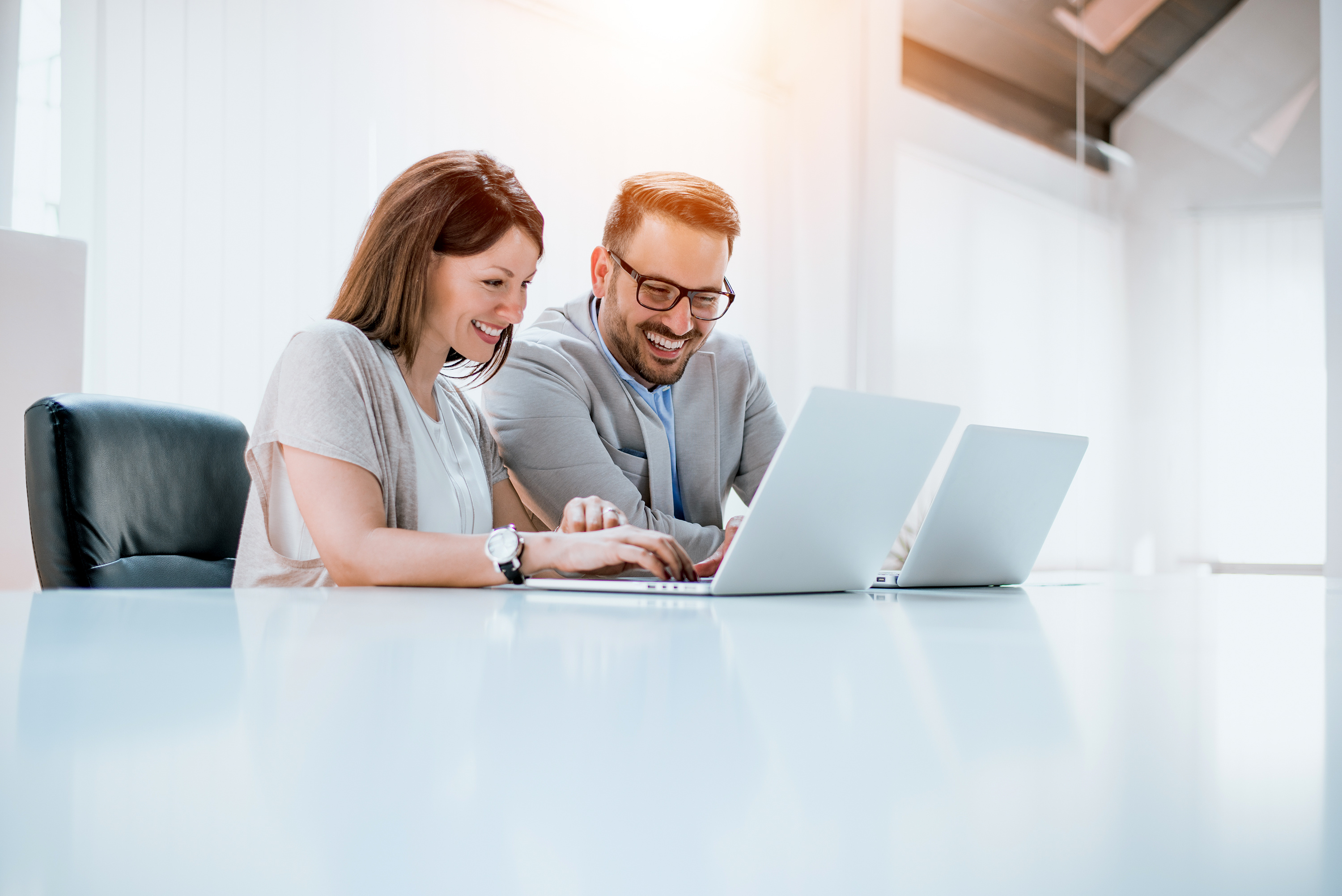 Financial advisor helping man with ITFM solutions